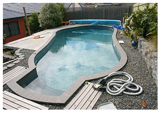 FREEFORM SHAPE POOL
