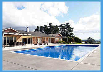 LARGE COUNRTY HOUSE WITH LARGE CASCADE SWIMMING POOL