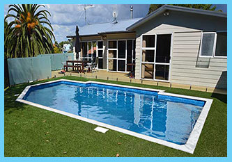 ARTIFICIAL GRASS SURROUND 9.0 METER AUCKLAND POOL